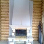 Топка  Fabrilor  мод. Deco 730 DO BR (Франция). Облицовка тип «Виктория» из камня травертина и доломита. Частный дом в п. Званка