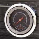 Высокотемпературный термометр всегда точно показывает температуру внутри печи в градусах Цельсия и Фаренгейта